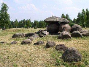 A rock garden in the shape of Belarus itself. Photo by Hanna Zelenko via Wikimedia Commons
