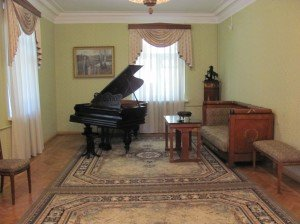 Yakub Kolas' living-room