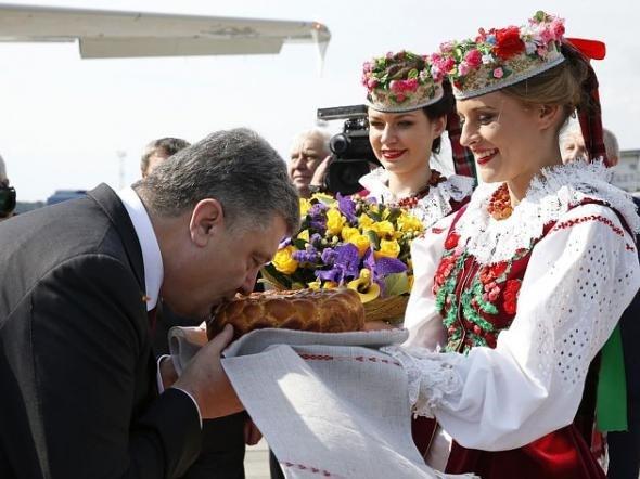 Belarusian_national_dress_08