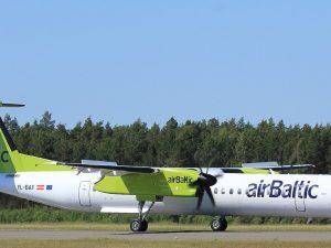 Air Baltic plane