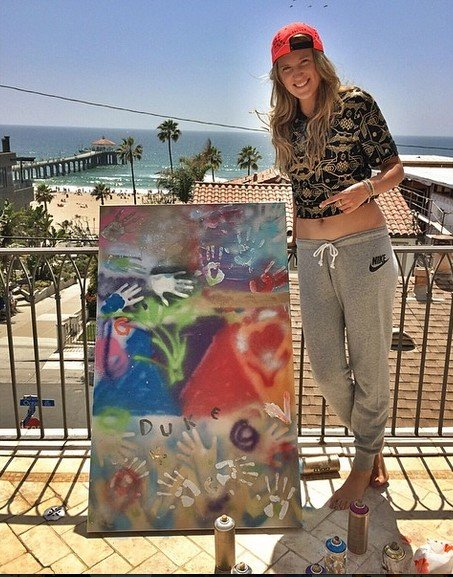 Victoria Azarenka and her painting