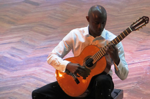 Master class taught by Cuban guitarist Ahmed Dickinson Cardenas. Photo via BSAM photogallery