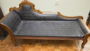 Yakub Kolas' couch