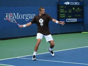 Max_Mirnyi_at_the_2009_US_Open_01