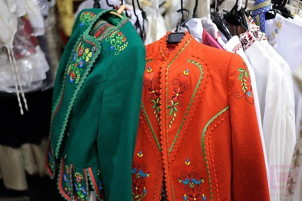 Belarusian_national_dress_06