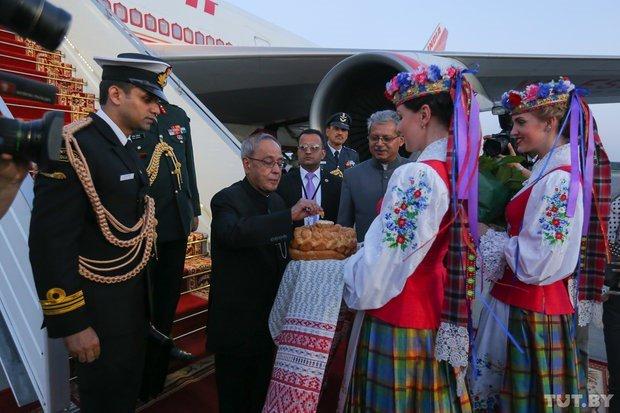 President_of_India_in_Belarus_June_2015_02
